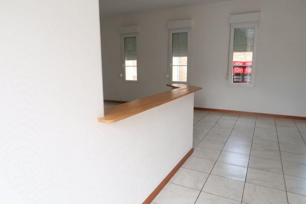 Appartement à louer 4 105.42m2 à Monchy-Lagache vignette-8