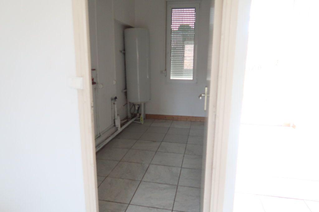 Appartement à louer 4 105.42m2 à Monchy-Lagache vignette-9