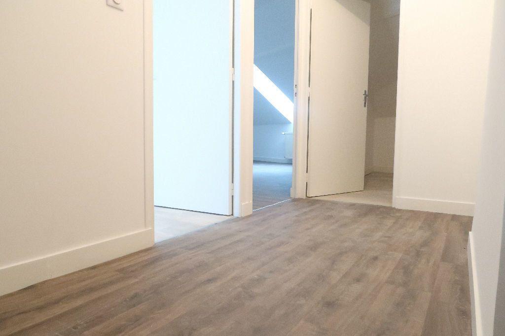 Appartement à louer 3 80m2 à Saint-Quentin vignette-7