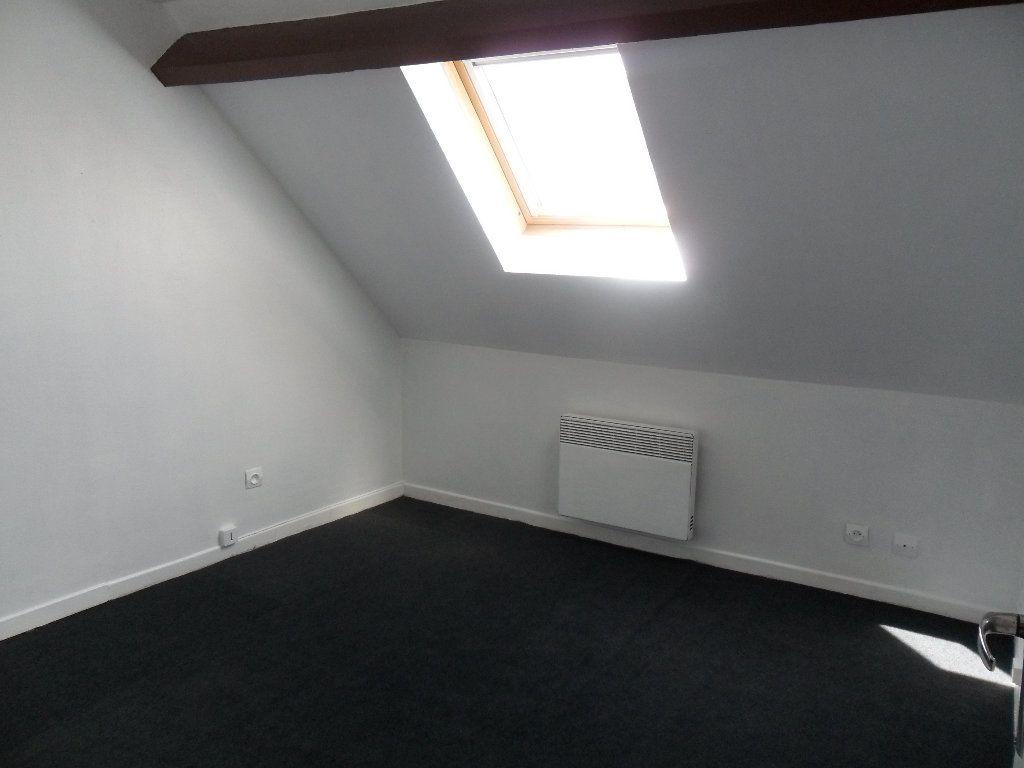 Appartement à louer 2 25.4m2 à Chauny vignette-2