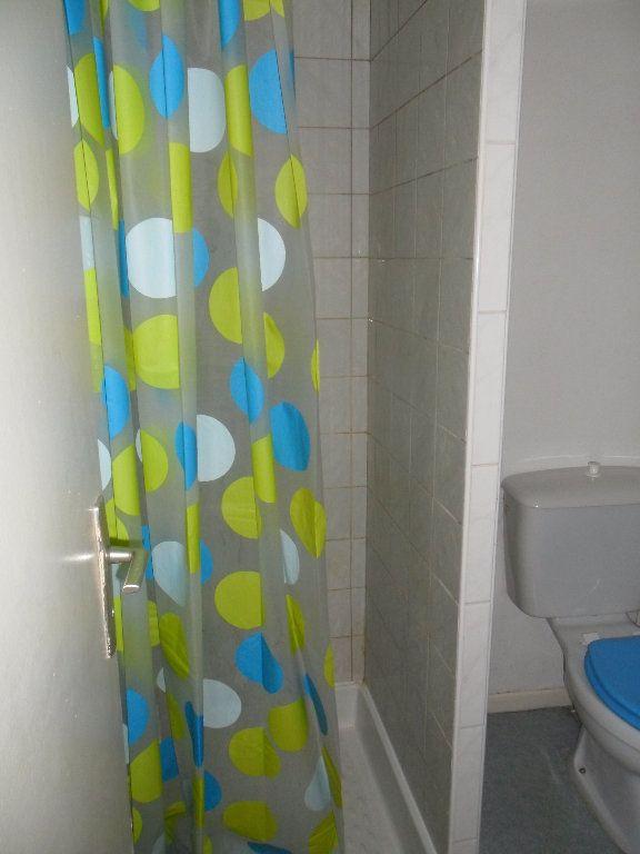 Appartement à louer 2 25.4m2 à Chauny vignette-4