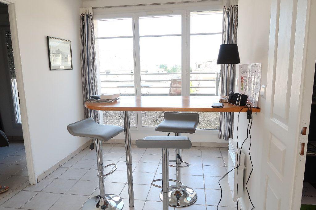 Appartement à louer 2 54.8m2 à Saint-Quentin vignette-3
