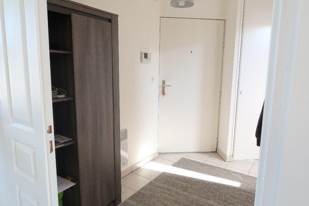 Appartement à louer 2 54.8m2 à Saint-Quentin vignette-5