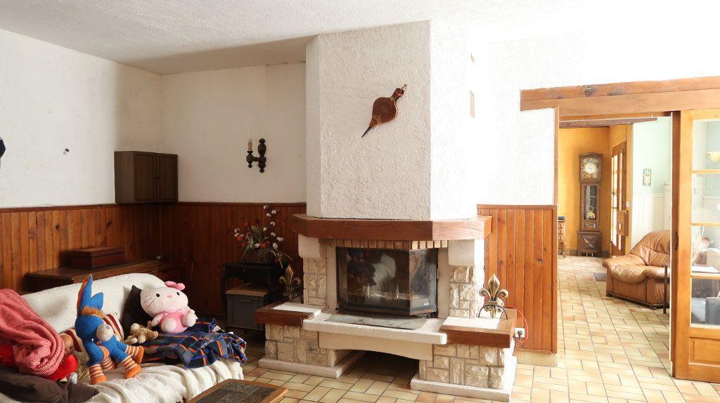 Maison à vendre 7 200m2 à Saint-Gobain vignette-4