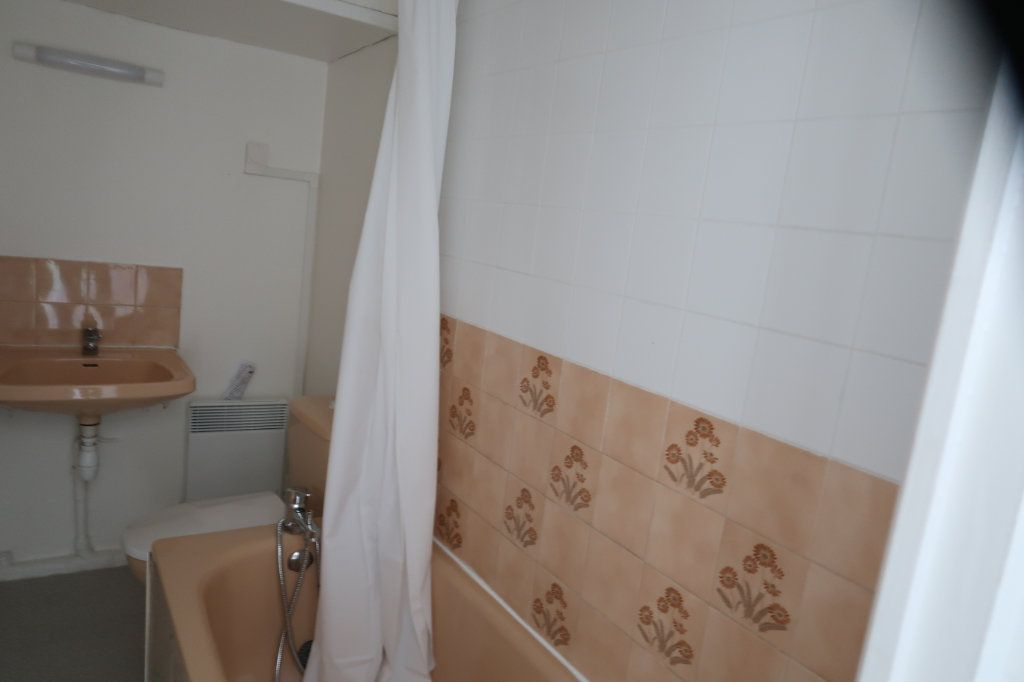 Appartement à louer 3 59m2 à Saint-Quentin vignette-9
