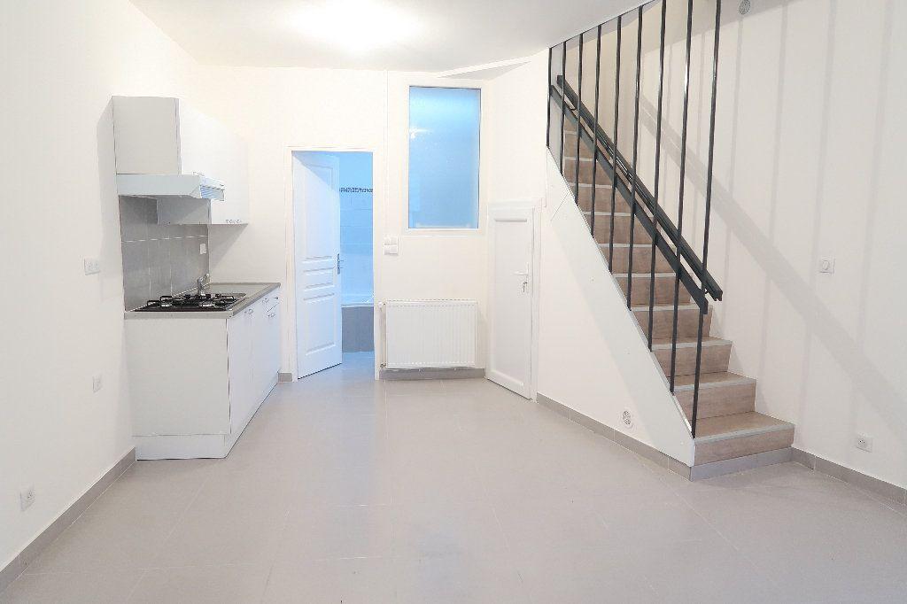 Maison à louer 4 60m2 à Saint-Quentin vignette-1