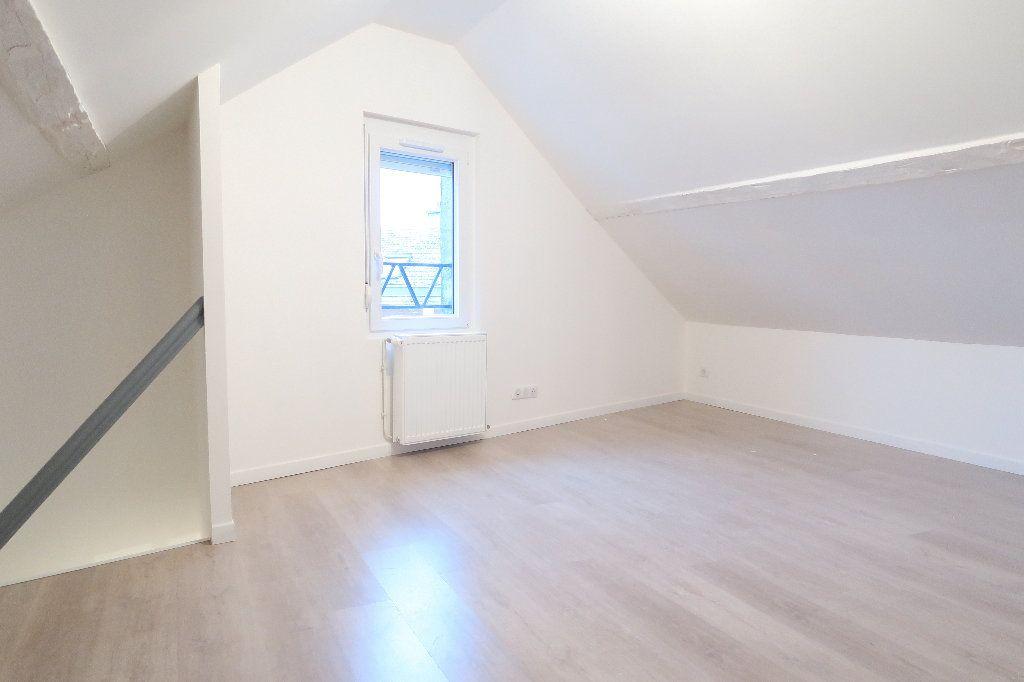 Maison à louer 4 60m2 à Saint-Quentin vignette-2
