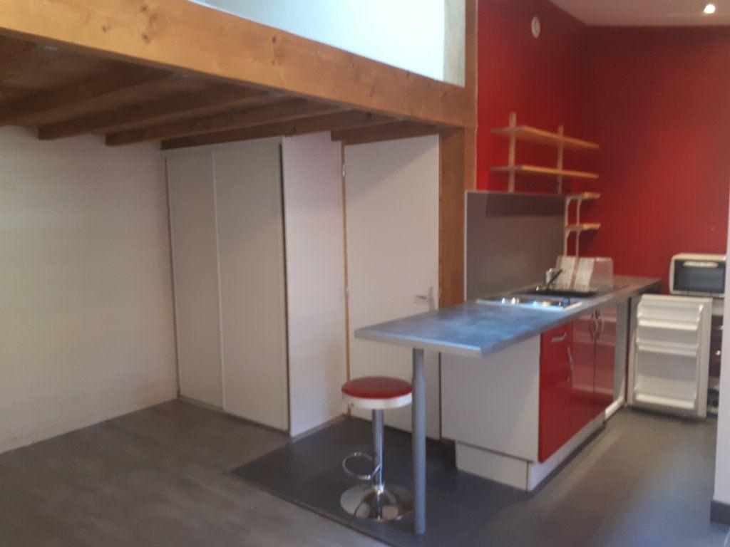 Appartement à louer 1 24m2 à Amiens vignette-2