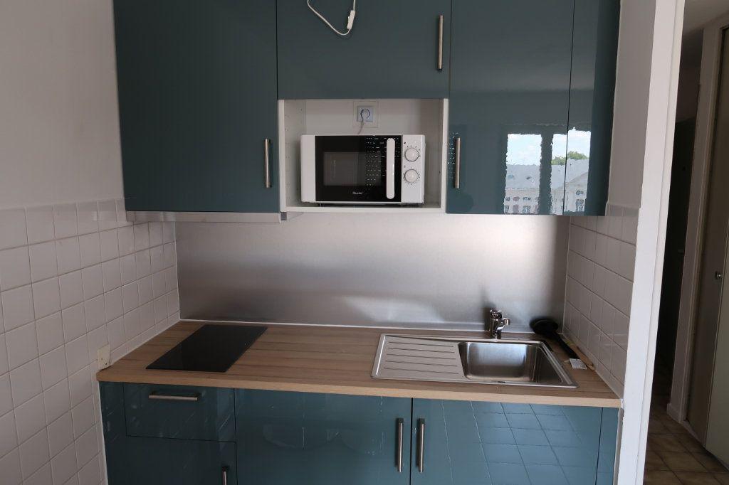 Appartement à louer 1 25m2 à Amiens vignette-2