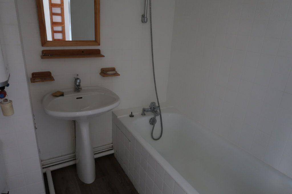 Appartement à louer 1 25m2 à Amiens vignette-4