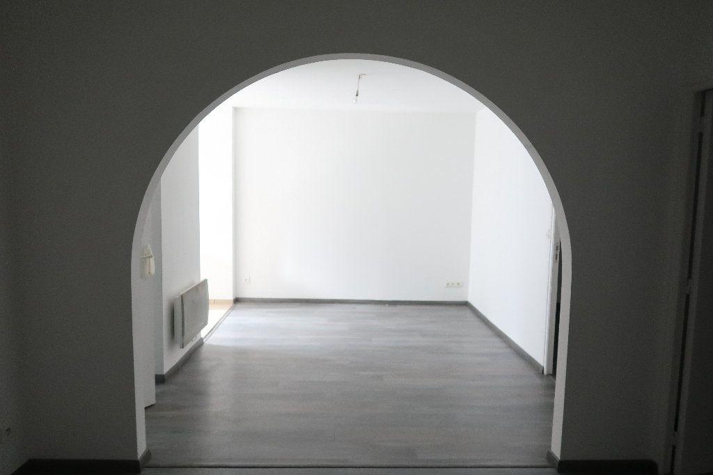Appartement à louer 3 58.46m2 à Saint-Quentin vignette-5