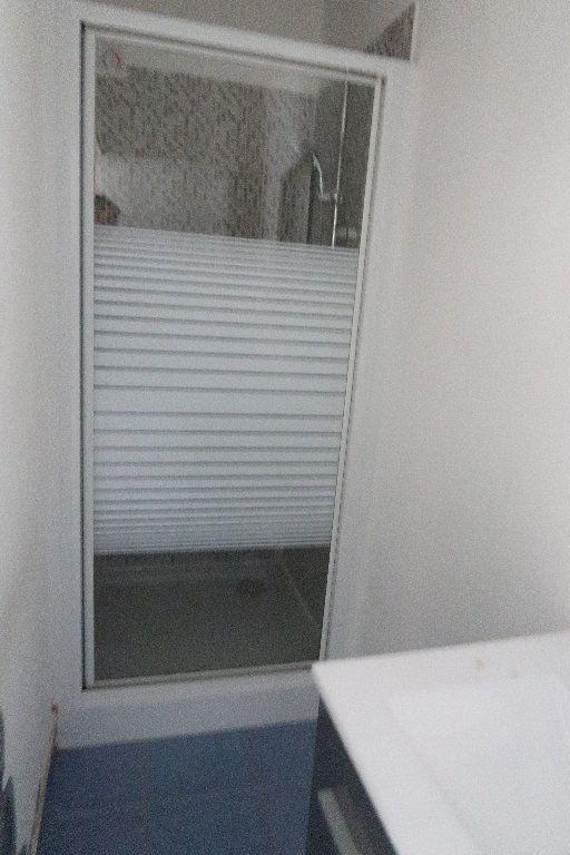 Appartement à louer 3 58.46m2 à Saint-Quentin vignette-6