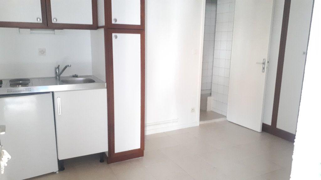 Appartement à louer 1 13.65m2 à Amiens vignette-2