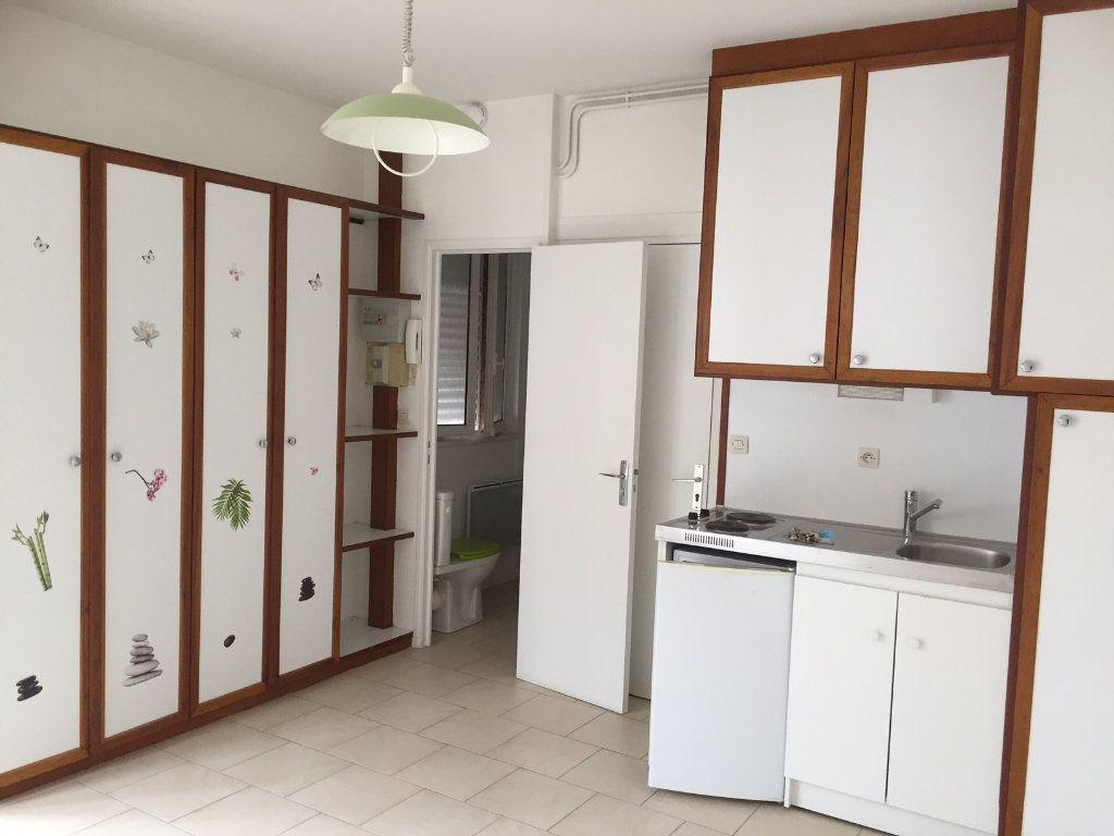 Appartement à louer 1 18.34m2 à Amiens vignette-3