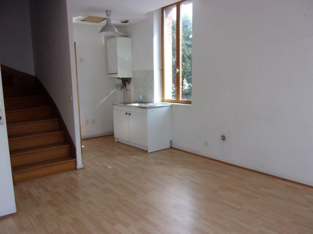 Appartement à louer 2 37m2 à Saint-Quentin vignette-1