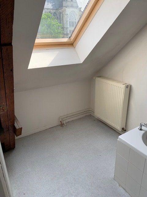 Appartement à louer 2 37m2 à Saint-Quentin vignette-5