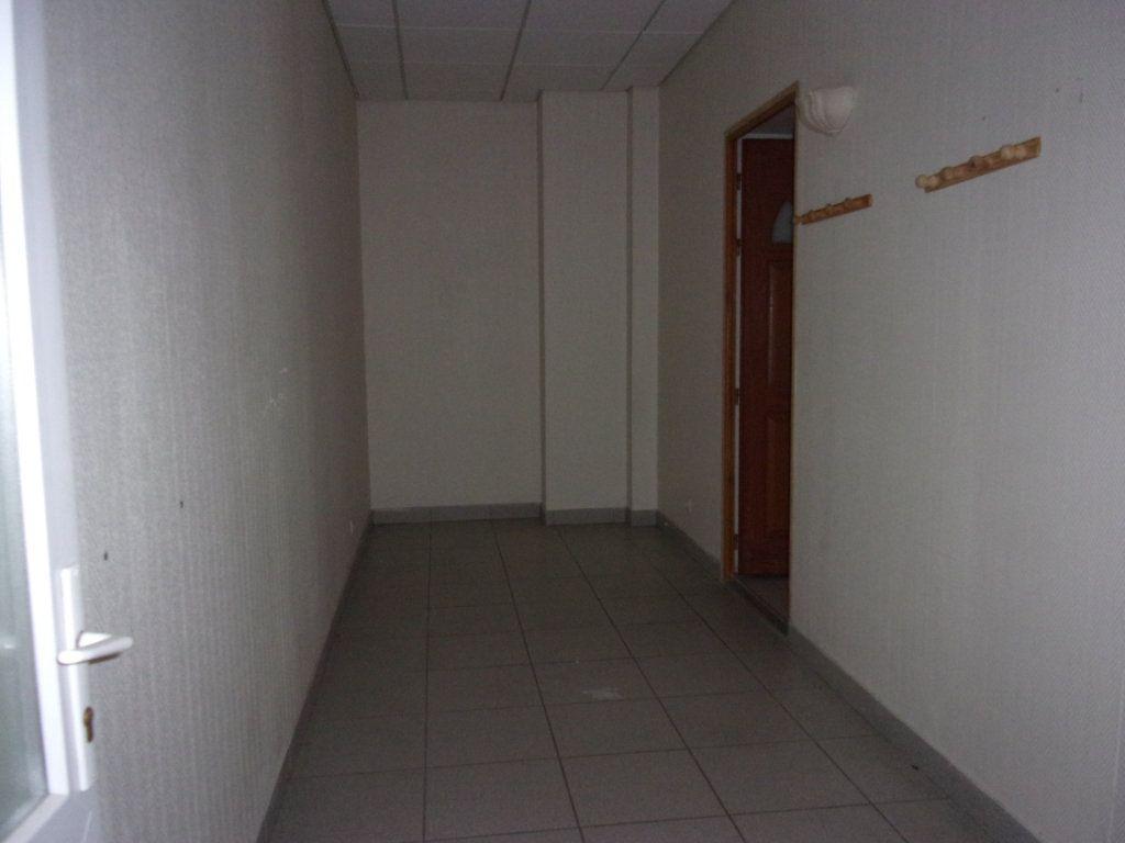 Appartement à louer 2 40m2 à Saint-Quentin vignette-6