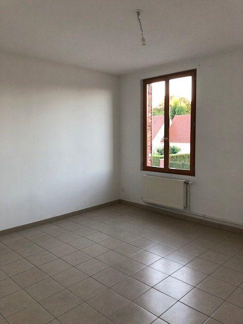 Appartement à louer 2 66.57m2 à La Fère vignette-2