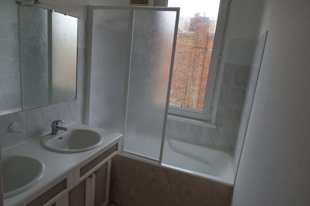 Appartement à louer 2 76m2 à Amiens vignette-4