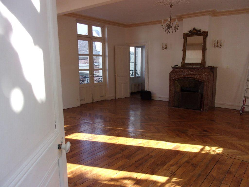 Appartement à louer 3 108m2 à Saint-Quentin vignette-4