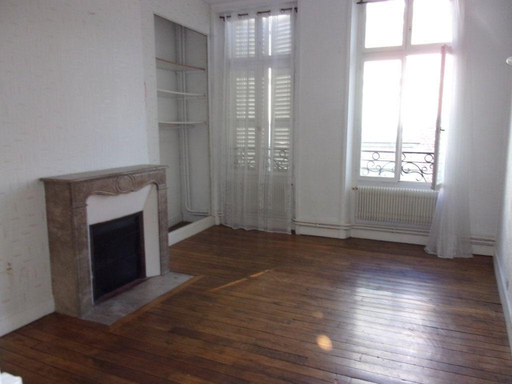 Appartement à louer 3 108m2 à Saint-Quentin vignette-6
