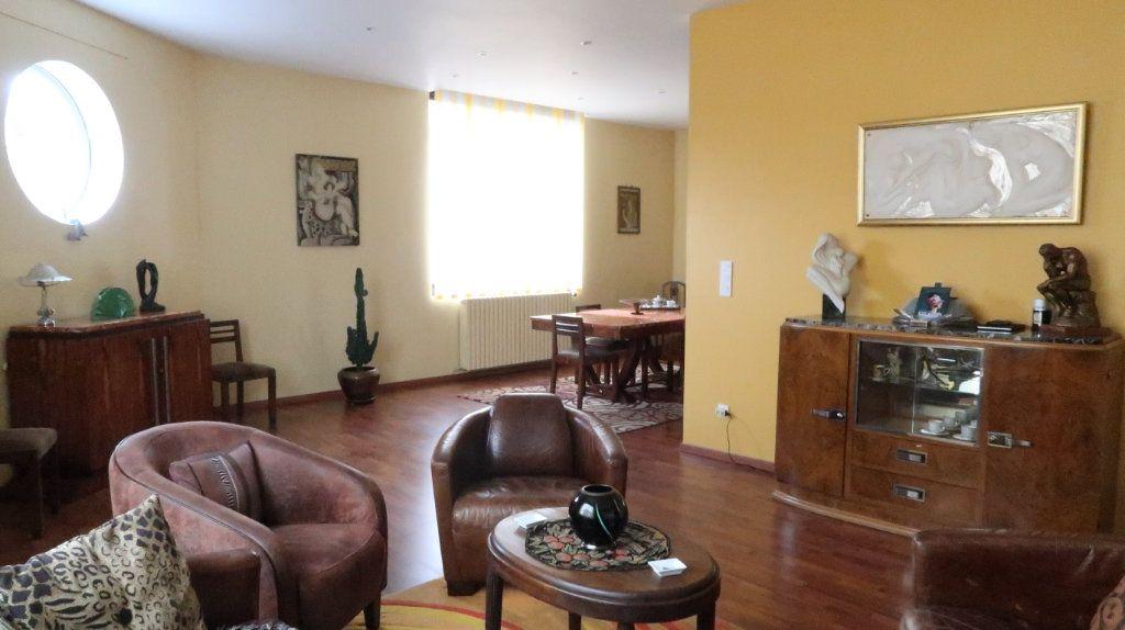 Maison à vendre 6 170m2 à Tergnier vignette-1