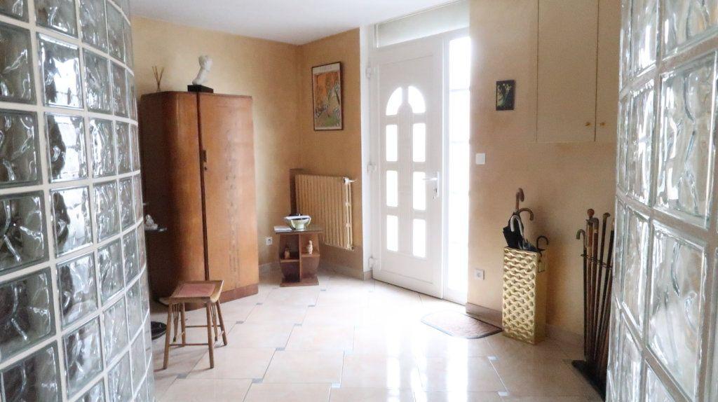 Maison à vendre 6 170m2 à Tergnier vignette-4