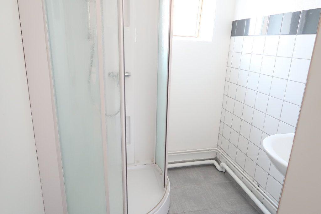 Appartement à louer 2 58.6m2 à Saint-Quentin vignette-4
