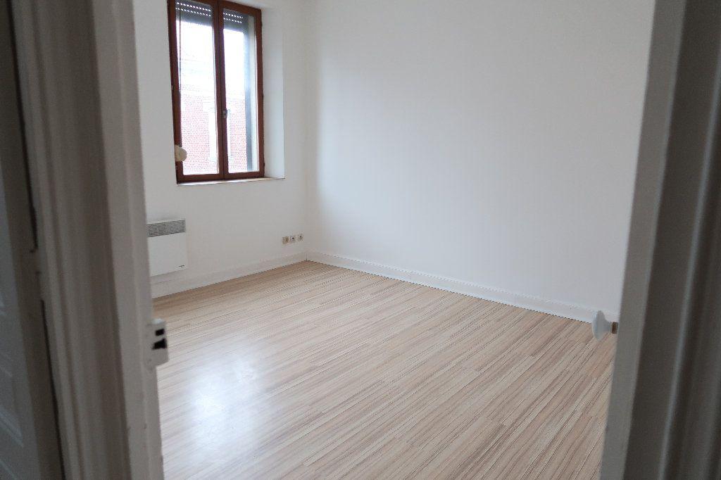 Appartement à louer 3 72m2 à Saint-Quentin vignette-1