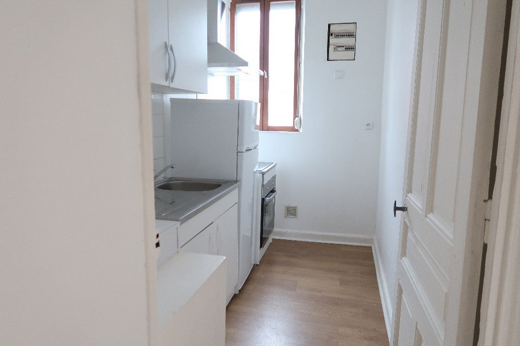 Appartement à louer 3 72m2 à Saint-Quentin vignette-2