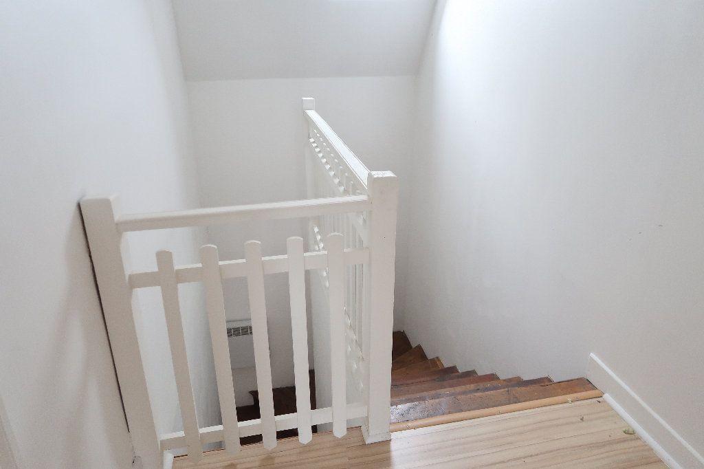 Appartement à louer 3 72m2 à Saint-Quentin vignette-4