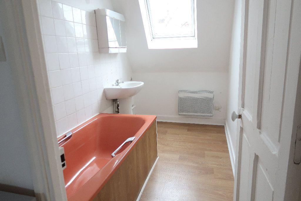 Appartement à louer 3 72m2 à Saint-Quentin vignette-5