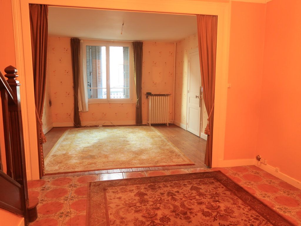 Maison à vendre 7 154m2 à La Fère vignette-3