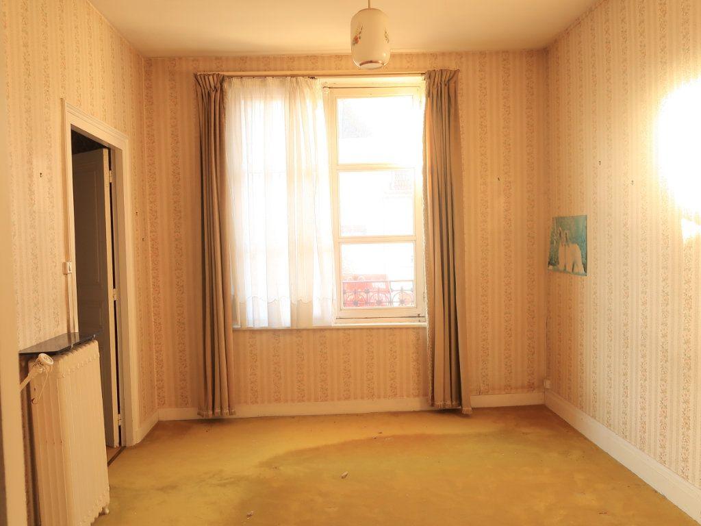 Maison à vendre 7 154m2 à La Fère vignette-4