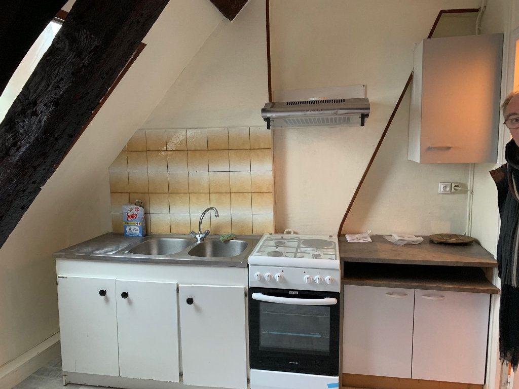 Appartement à louer 2 55m2 à Saint-Quentin vignette-2