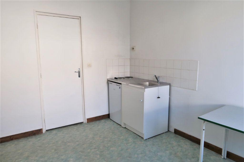Appartement à louer 1 20m2 à Saint-Quentin vignette-1