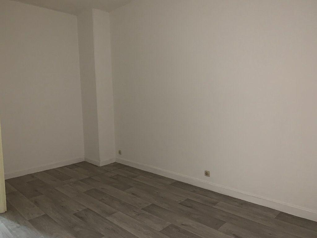 Appartement à louer 2 42.3m2 à Tergnier vignette-3