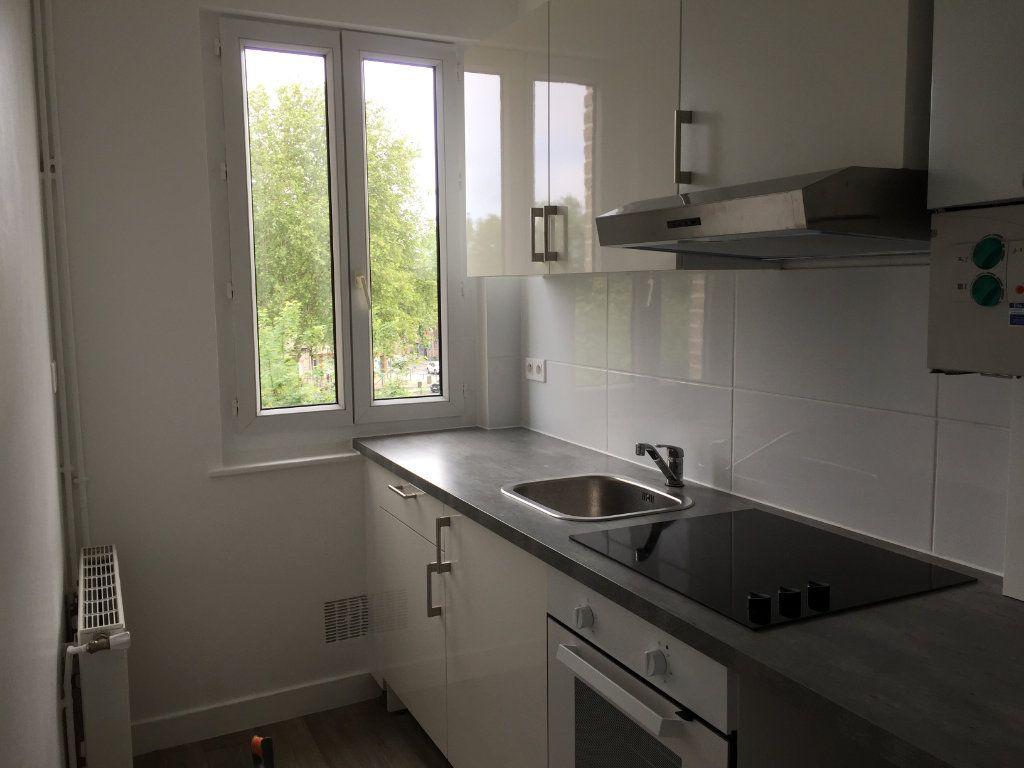 Appartement à louer 2 40m2 à Amiens vignette-3