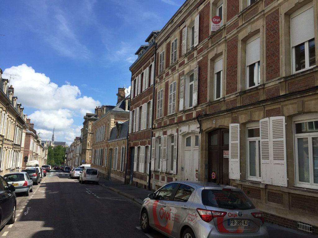 Appartement à louer 1 18m2 à Amiens vignette-2