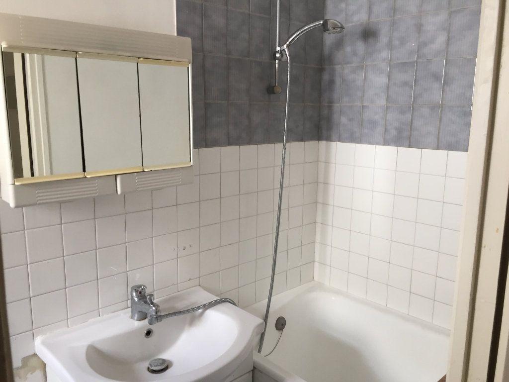 Appartement à louer 1 18m2 à Amiens vignette-3