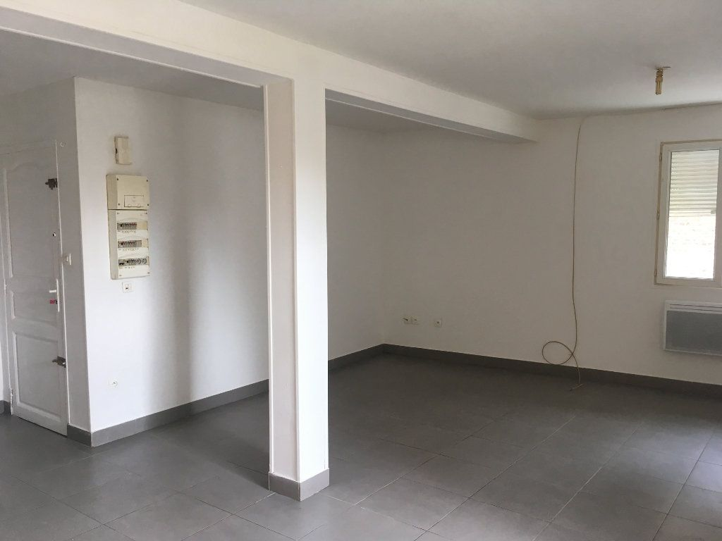 Appartement à louer 1 38.48m2 à Tergnier vignette-1