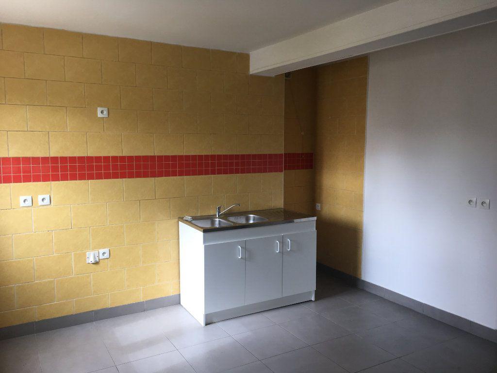 Appartement à louer 1 38.48m2 à Tergnier vignette-2