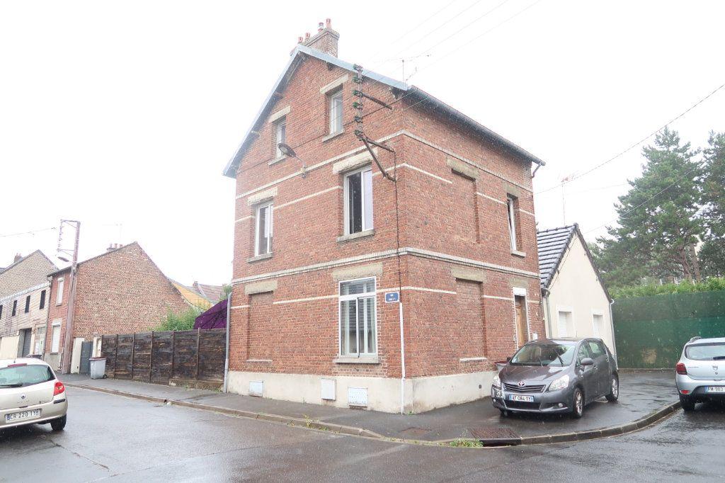 Maison à vendre 7 133m2 à Saint-Quentin vignette-1