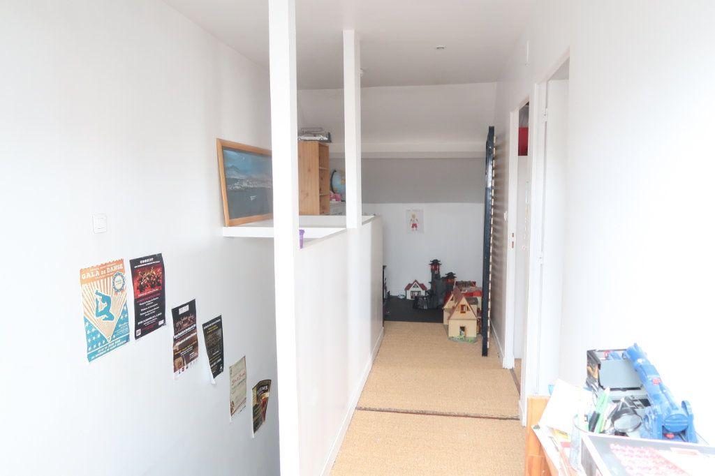 Maison à vendre 7 133m2 à Saint-Quentin vignette-7