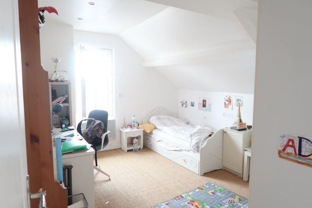 Maison à vendre 7 133m2 à Saint-Quentin vignette-9