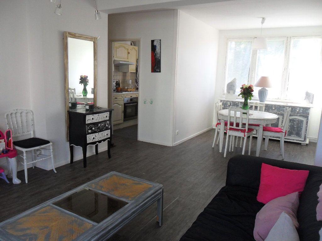 Appartement à vendre 5 66m2 à Saint-Quentin vignette-4