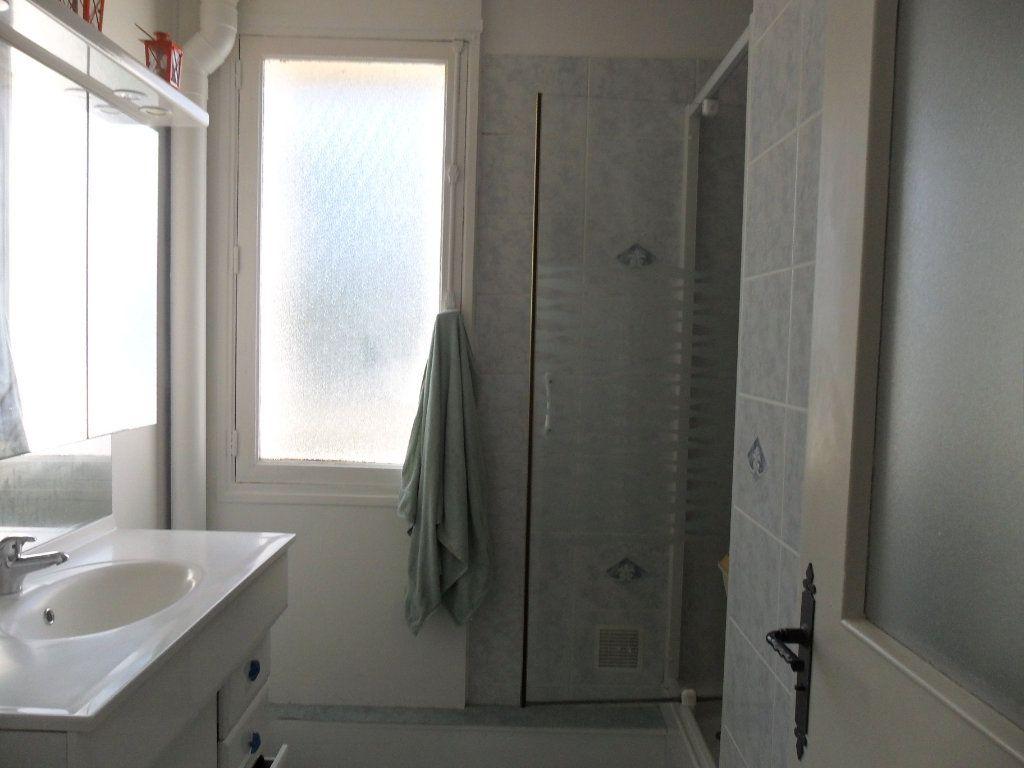 Appartement à vendre 5 66m2 à Saint-Quentin vignette-9