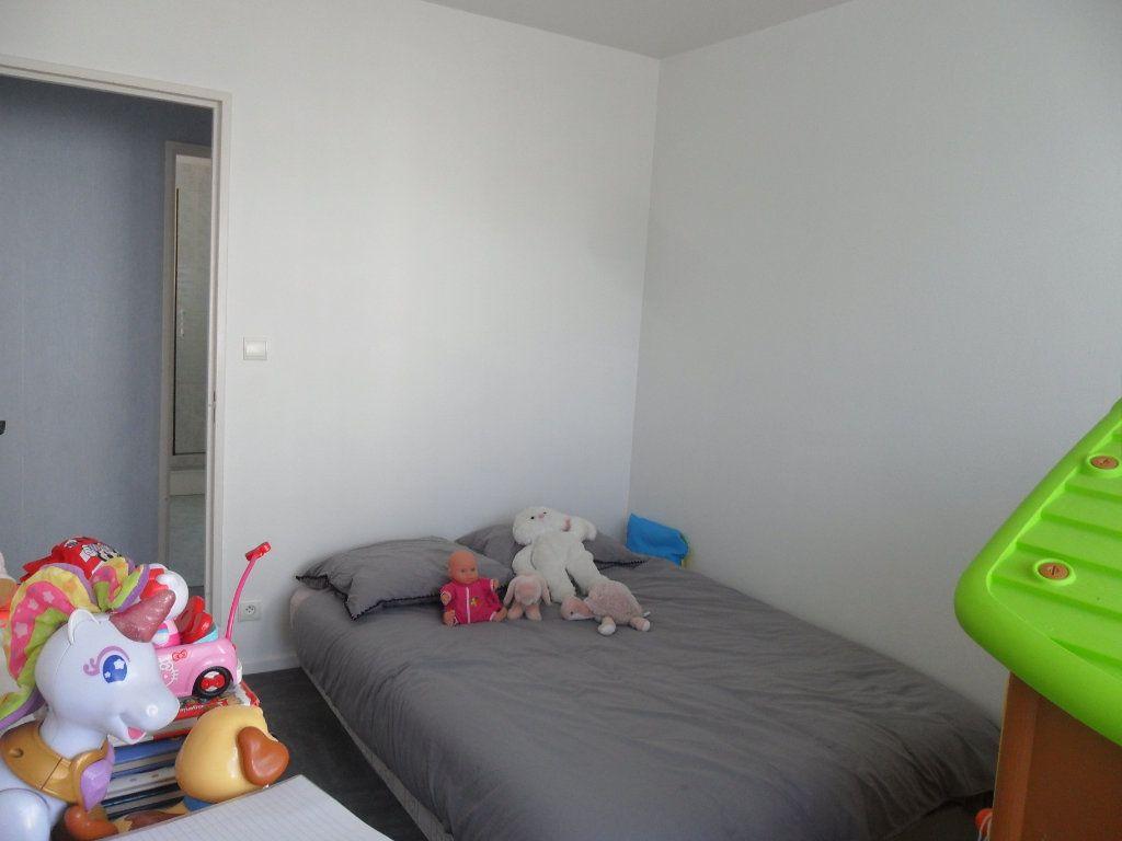 Appartement à vendre 5 66m2 à Saint-Quentin vignette-14