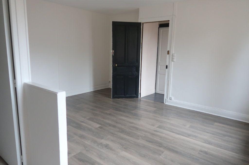 Appartement à louer 1 30m2 à Saint-Quentin vignette-4