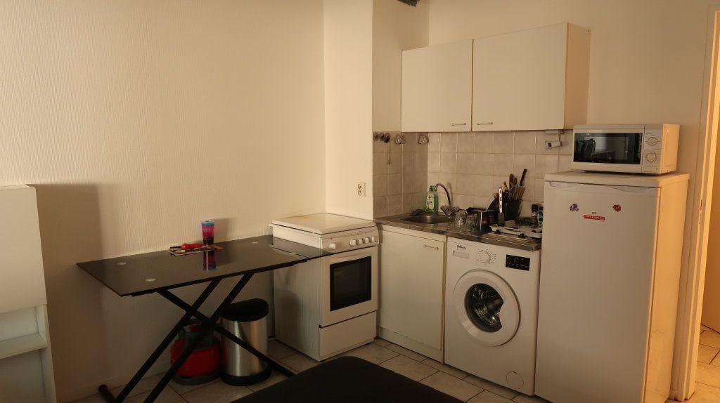 Appartement à louer 1 31m2 à Amiens vignette-3